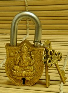 Buy online Artifact - Dhokra metal brass lock & key -ganesh x from The India Craft House Indian Inspired Decor, Indian Home Decor, India Crafts, Home Crafts, Art Decor, Decoration, Silver Pooja Items, Pooja Room Door Design, Ethnic Decor