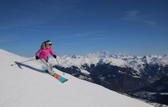 How to look stylish skiing, travel packing tips from first chair to apres ski, ski style guide !