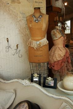 Photo I took of this vintage mannequin at Posh on Palm in Sarasota, FL by Debi Willhoite with Cameo Kids Boutique