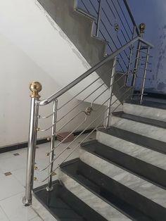 Steel Stair Railing, Steel Railing Design, Balcony Railing Design, Steel Stairs, Main Gate Design, Door Design, House Design, Iron Decor, Steel Doors