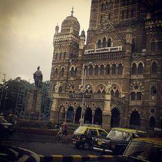 beautiful architecture & taxis in Mumbai