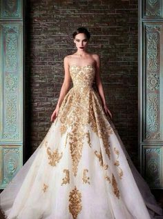 tmistyle: This dress would be so perfect as a wedding dress for Tessa because it blends the shadowhunter traditional gold and the white of the mundane world she grew up in. | Tumblr