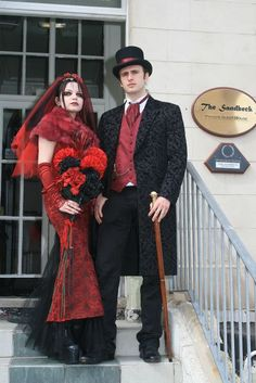 gothic wedding. beautiful in black and red