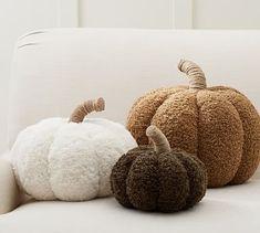 Cozy Pumpkin Pillows | Pottery Barn Pottery Barn Fall, Pottery Barn Halloween, Halloween Home Decor, Halloween House, Fall Home Decor, Autumn Home, Halloween Decorations, Halloween Bedroom, Pottery Barn Pillows