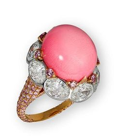 Exceptional conch pearl ring by David Morris mm