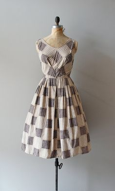 1950s Pattern Sample dress- I really need to get my hands on a nice sewing machine... or any sewing machine! #Home