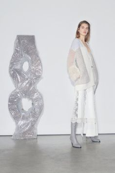 See the full Pre-Fall 2018 collection from Stella McCartney.