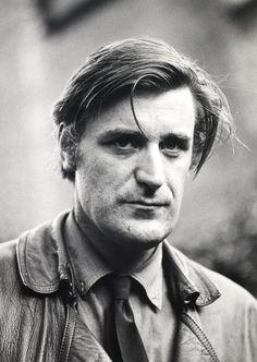 "Edward James ""Ted"" Hughes (Mytholmroyd, 17 de agosto de 1930 – Londres, 28 de octubre de 1998)"
