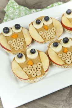 most up-to-date pictures Health for kids food crafts free, healthy snacks and fun food, Fun Food For Kids: Owl Rice Cakes, peanut butter and fruit. Owl Snacks, Cute Snacks, Snacks Für Party, Lunch Snacks, Healthy Snacks For Kids, Cute Food, Fruit Snacks, Good Food, Kids Fun Foods