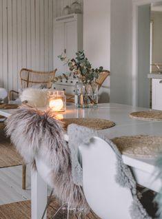 Uusi Kuu - Condo Decorating, Decorating Your Home, Modern Loft, Scandinavian Home, Home Bedroom, Apartment Living, Kitchen Interior, Christmas Home, Interior Inspiration