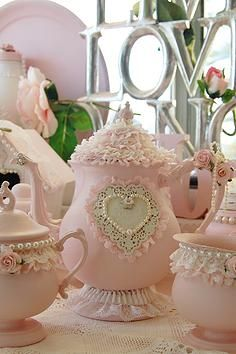 A picture gallery of Luv My Stuff shabby chic home décor creations