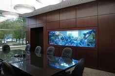 Аквариум в офис на заказ в Москве по вашим проектам
