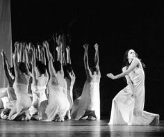 clear movement expression - Pina Bausch