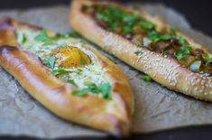 Turkish Pide (aka pizza) is a Turkish comfort food favorite! Here are 2 different fillings, one with meat and peppers and the other with cheese and egg. Turkish Breakfast, Breakfast Pizza, Turkish Pizza Recipes, Greek Recipes, Ricotta, Pide Recipe, Feta, Sandwiches, Baked Cheese