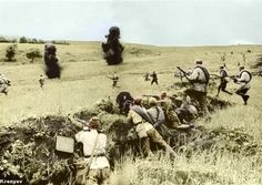 Soviet soldiers of the Rifle Division, Soviet Guards Army, begin a counteroffensive during the Battle of Kursk. The battle led to one of the largest armored clashes in military history, the. Eastern Front Ww2, Ww2 Photos, Photographs, Red Army, American Revolution, Military History, World War Two, Historical Photos, Troops