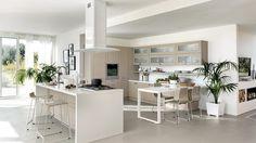 moderne Küche mit Kochinsel, ergonomisch ausgelegt, Küchenkonzepte von Scavolini