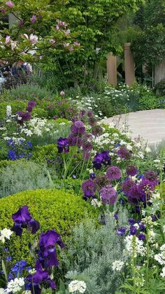 ✔ 43 beautiful garden design for backyard ideas 19 - Gartenbau Purple Garden, Shade Garden, Flowers Garden, Amazing Gardens, Beautiful Gardens, Landscape Edging Stone, Landscape Design Plans, House Landscape, Landscape Steps