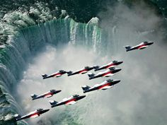 RCAF Snowbirds over Niagara Falls - Snowbirds, Jets, Squadron, Niagara Falls Nature Pictures, Cool Pictures, Cool Photos, Beautiful Pictures, Canadian Symbols, Niagara Region, Happy Canada Day, Canada Eh, Air Show
