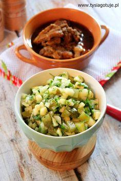 Surówka z ogórka kiszonego, jabłka i.... Tasty, Chicken, Recipes, Foods, Places, Diet, Food Food, Food Items, Rezepte