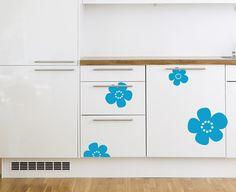 Melk wallsticker - La kjøleskapet ditt bli en melkekartong! Nostalgiske blomster fra Tine melk. Se denne designen på fantastiske barneklær hos Ugly Childrens clothing.