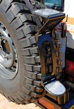 Front Runner Rear Tire Step mount Jerry can Jeep Mods, Truck Mods, Defender Camper, Land Rover Defender, Tire Steps, Jimny Suzuki, Vw Lt, Tacoma Truck, Toyota Fj Cruiser