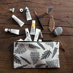 Hey, I found this really awesome Etsy listing at https://www.etsy.com/listing/250297470/ferns-linen-pouch-black