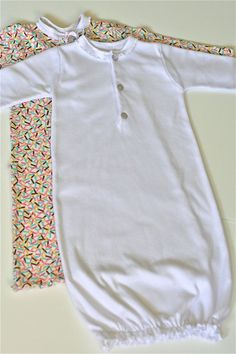 Best thing for the hospital!   Newborn baby gowns tutorial... so adorable. - making these!!!