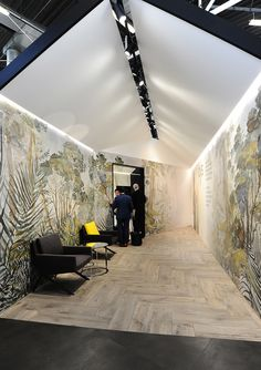 The international tile and bathroom fair, Cersaie is back in Bologna from the to the September. Luxury Master Bathrooms, Bathroom Design Luxury, Modern Bathroom, Tile Showroom, Showroom Design, Corporate Event Design, Modular Structure, Bologna, Bathroom Inspiration