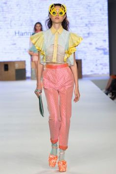 See all the Collection photos from Manchester School Of Art Spring/Summer 2017 Ready-To-Wear now on British Vogue Zara Fashion, New Fashion, High Fashion, Fashion Show, Fashion Design, Pretty Outfits, Cool Outfits, Diy Fashion Hacks, Fashion Branding