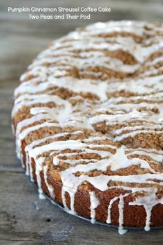 Pumpkin Cinnamon Streusel Coffee Cake from Two Peas and Their Pod (www.twopeasandtheirpod.com) #recipe #pumpkin