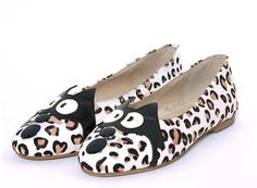 Shoesday: Leopard print cat face ballet flats