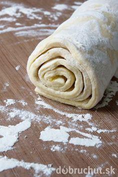 Rýchle domáce lístkové cesto Slovak Recipes, Czech Recipes, European Dishes, Cake Roll Recipes, Sweet Breakfast, Bread Rolls, Desert Recipes, Sweet Recipes, Peanut Butter
