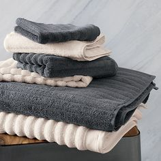 get in line.  Raised fluffy ribs channel plush 100% Turkish ringspun cotton, dyed the perfect shade of grey with eco-friendly pigments.  Uniquely looped pile is powerloomed to be super soft, super absorbent, super spa. To learn how certain items like this one can help make house guests feel welcome, check out Idea Central. 100% cotton in greyRibbed channel designMade with soft, highly absorbent (600 grams), pre-shrunk yarnsEco-friendly OEKO-TEX ® safe dyesHanging loopMachine washMade in…