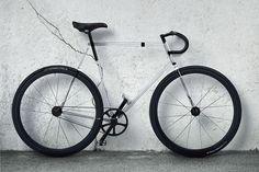 Funcional, sustentável, ecologicamente correta, estilosa e é claro, inovadora. A bike é um dos meios de transportes mais convenientes para uma sociedade saturada como a atual. Alguns designers resolveram revolucionar. Vamos ver?