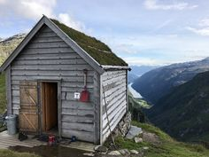 http://cabinporn.com/post/165761416974/dnt-cabin-in-norway-submitted-by-alex-masse