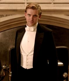 Matthew Crawley from Downton Abbey Benedict Cumberbatch, Dan Stevens Downton, Matthew Crawley, Lady Mary, Harry Potter, Hollywood, Film Serie, Pretty People, Beauty And The Beast