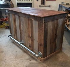 Bar How beautiful this bar would be in your home. Dimensions are These can The post Bar appeared first on Outdoor Ideas. Bar Pallet, Palet Bar, Pallet Bar Top Ideas, Bar Patio, Backyard Bar, Backyard Ideas, Pallet Projects, Woodworking Projects, Welding Projects
