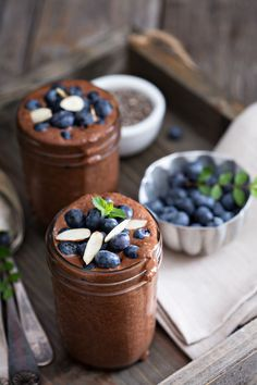 Chocolate for breakfast? Yes please! This chocolate chia pudding is so healthy it can be eaten for breakfast, yet so creamy and chocolaty it tastes like dessert! Bakerette.com (dairy free, healthy, breakfast, vegan, vegetarian, gluten free)