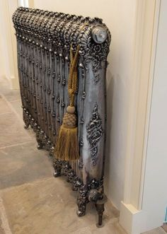 Antoinette Cast Iron Radiator by Carron. Cast Iron Radiators from Period House Store. We offer many Cast Iron Radiators, Buy on-line today. Victorian Decor, Victorian Homes, Victorian Era, Victorian Interiors, Art Deco, Casa Hipster, Cast Iron Radiators, Steam Radiators, Old Radiators