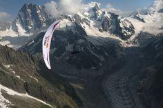 El Red Bull X-Alps 2013 ha dibujado un recorrido muy extenso que llevó a los competidores a cruzar (y volar) algunos de los paisajes más bonitos del mundo, como el macizo del Mont Blanc, cerca de Chamonix.