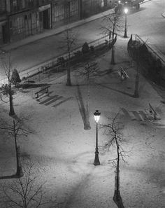Eclairage au gaz, Un square la nuit, 1927, Paris