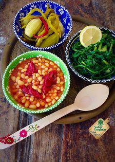 Kuru Fasulye ve turp otu salatası