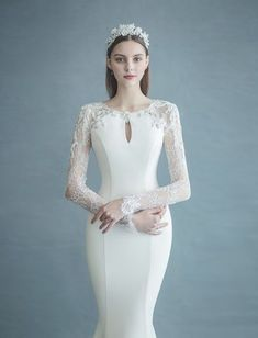 15 Timessly Elegant Wedding Dresses That Will Never Go Out of Style! wedding gowns 15 Timessly Elegant Wedding Dresses That Will Never Go Out of Style! Minimal Wedding Dress, Elegant Wedding Dress, Elegant Dresses, Beautiful Dresses, Wedding Gowns, Malay Wedding Dress, Gowns With Sleeves, Wedding Dress Sleeves, Lace Sleeves
