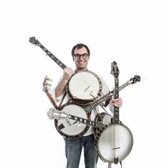 Bluegrass and Old Time Music Is Alive In Spain - by Lluis Gomez Music Sing, Music Guitar, Piano Music, Playing Guitar, Guitar Lessons For Beginners, Music Lessons, Bilbao, Ukulele, Banjo Tabs