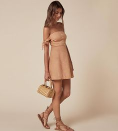 41 Reformation Dress That are so Taylor Swift Outfit Outfit Casual Dresses, Casual Outfits, Fashion Dresses, Cute Outfits, Fashion Clothes, Nude Dress, Dress Up, Taylor Swift, Summer Outfits