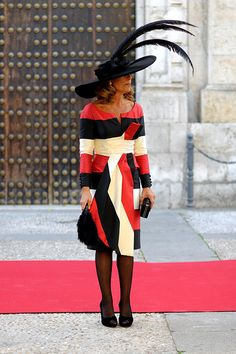 Chic too chic Fabulous Dresses, Beautiful Outfits, Dressed To Kill, Mother Of The Bride, Wrap Dress, Street Style, Clothes For Women, Chic, Stylish