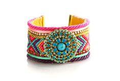 Style bohème tzigane indienne de Coachella, Native American Style amitié, boutons de manchette Swarovski Friendship Bracelet, boutons de manchette large, ethnique boho