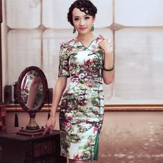 #573084 #PeacockOfLove #Qipao #Cheongsam -chinese traditional clothes,  chinese outfit,  oriental dresses,  chinese fashion,  chinese gown,  chinese costumes,  Chinese couture,  costumes couture,  silk couture,  Chinese eveing gown,  cheongsam couture,