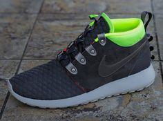 Nike Roshe Run Mid Winter – Newsprint – Smoke – Volt