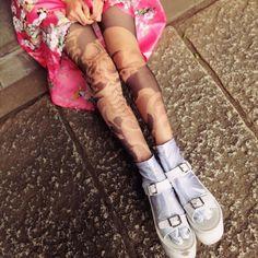 秋冬は、タイツのオシャレが楽しい季節。「脚をガンガン出したい派、だけど30代だから生足はちょっとなぁ......」とつい躊躇してしまう記者(私)にとって、最高のシーズ …